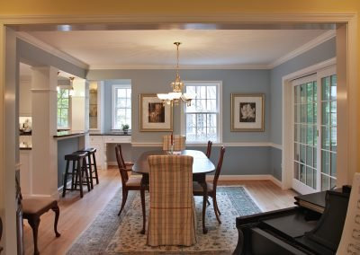 Dining room through entranceway from living room