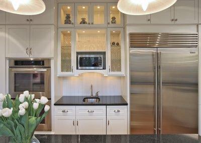 Kitchen sink, ovens and refrigerator